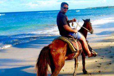 Honeymoon in Punta Cana - B on horse