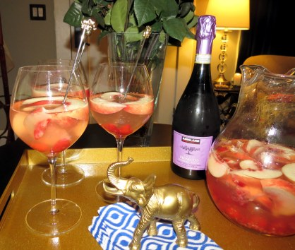 Peach Birthday Sangria - Pour (2)