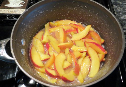 Southern Peach Cobbler - Cooking peaches (3)